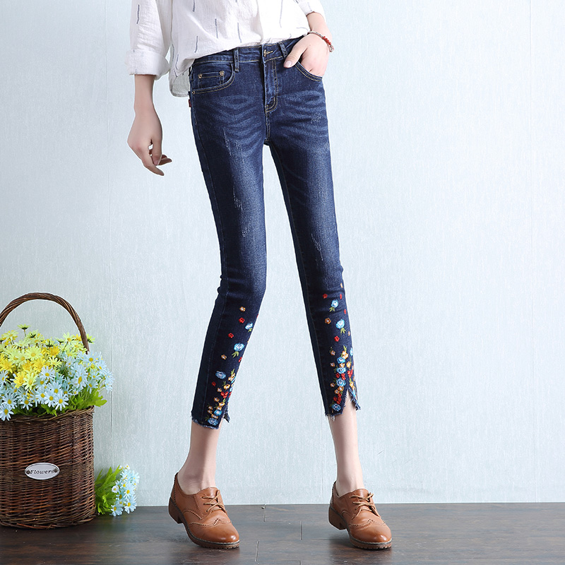 2017 Spring Summer New Women Floral Embroidery Jeans Fashion Slim Female Flower Embroiderd Elasticity Denim Pencil Pants L362 flower embroidery jeans female blue casual pants capris 2017 spring summer pockets straight jeans women bottom a46