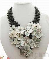 Black Crystal&Shell Flower Necklace Onyx Toggle Clasp>free shipping