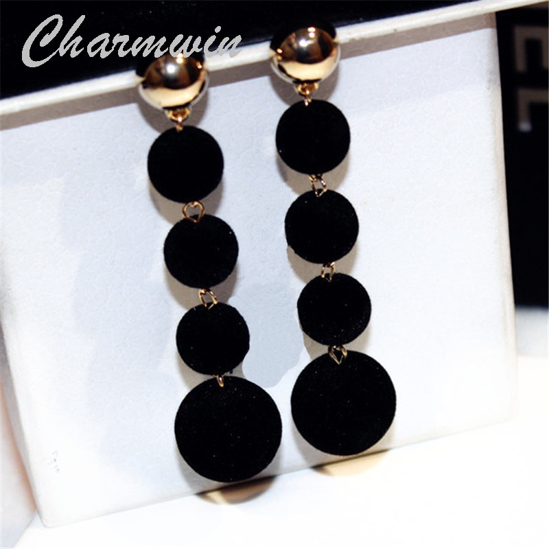 Charmwin New Fashion Ethnic Bohemian Dangle Earrings Long Earrings Women Exaggerated 2 Colors Plush Ball Drop Earrings PE1640 цена