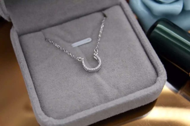 925 Sterling Silver Horseshoe Necklace