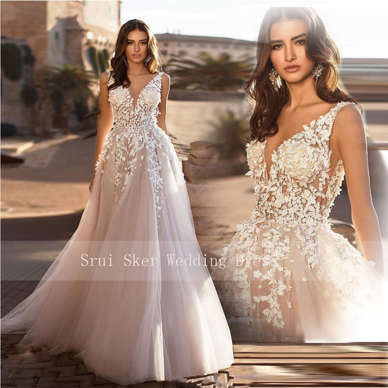 Marvelous champagne V Neck Wedding Dresses 3D Floral Appliqued Lace Bridal Gowns Tulle vestido de novia Plus size-in Wedding Dresses from Weddings & Events