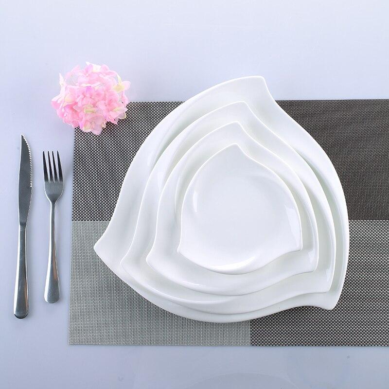 Ensemble de plat de service en céramique tourbillon en porcelaine décorative assiette à dîner irrégulière pour Dessert, salade, riz et nouilles
