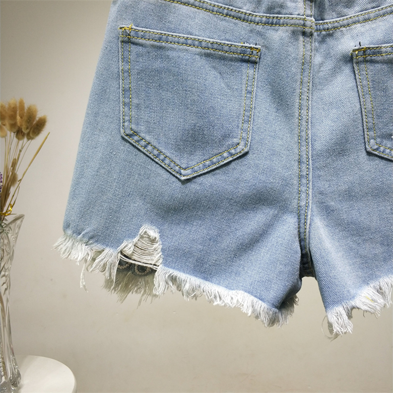 B2458 New Style Spring And Summer 2019 Students Lace Embroidered Women Loose Wide Leg Hot Denim Shorts Cheap Wholesale Bottoms