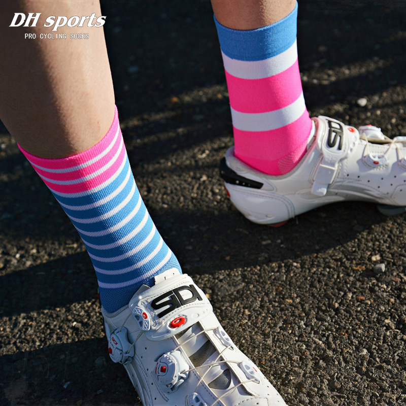 DH SPORTS New High Quality Professional Cycling Socks Breathable Road Bicycle Socks Outdoor Sports Racing Bike Compression Socks high quality professional brand sport socks breathable road bicycle socks mountain bike socks racing cycling socks