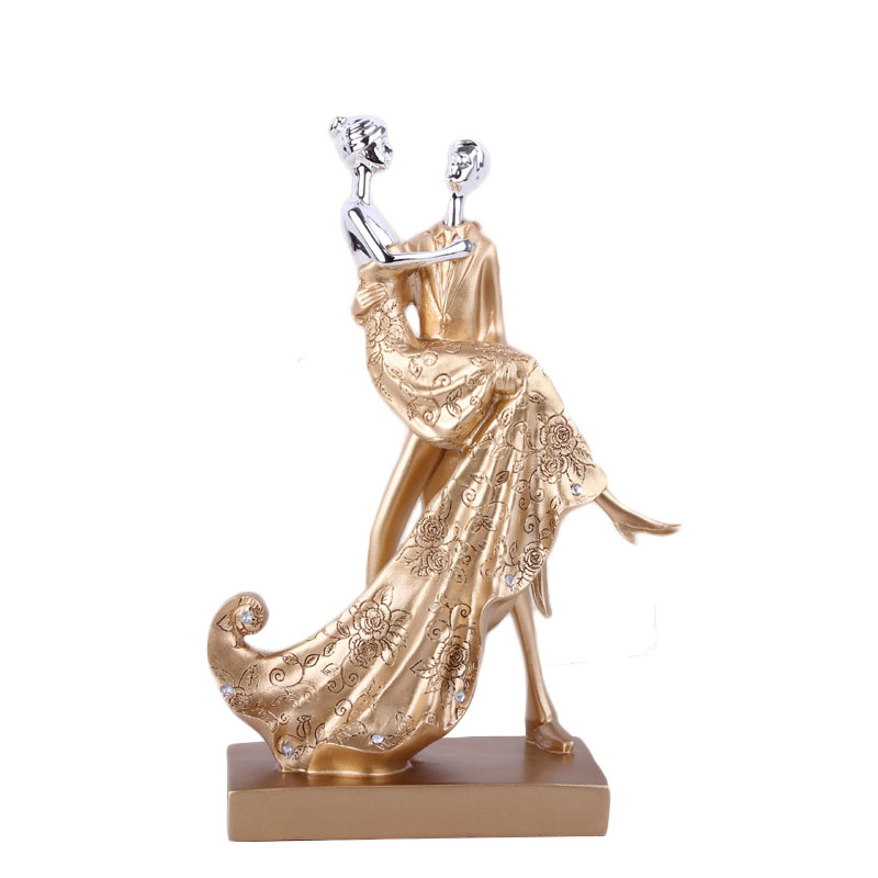 Wedding Gifts Europe Resin Couple Sculpture Statue