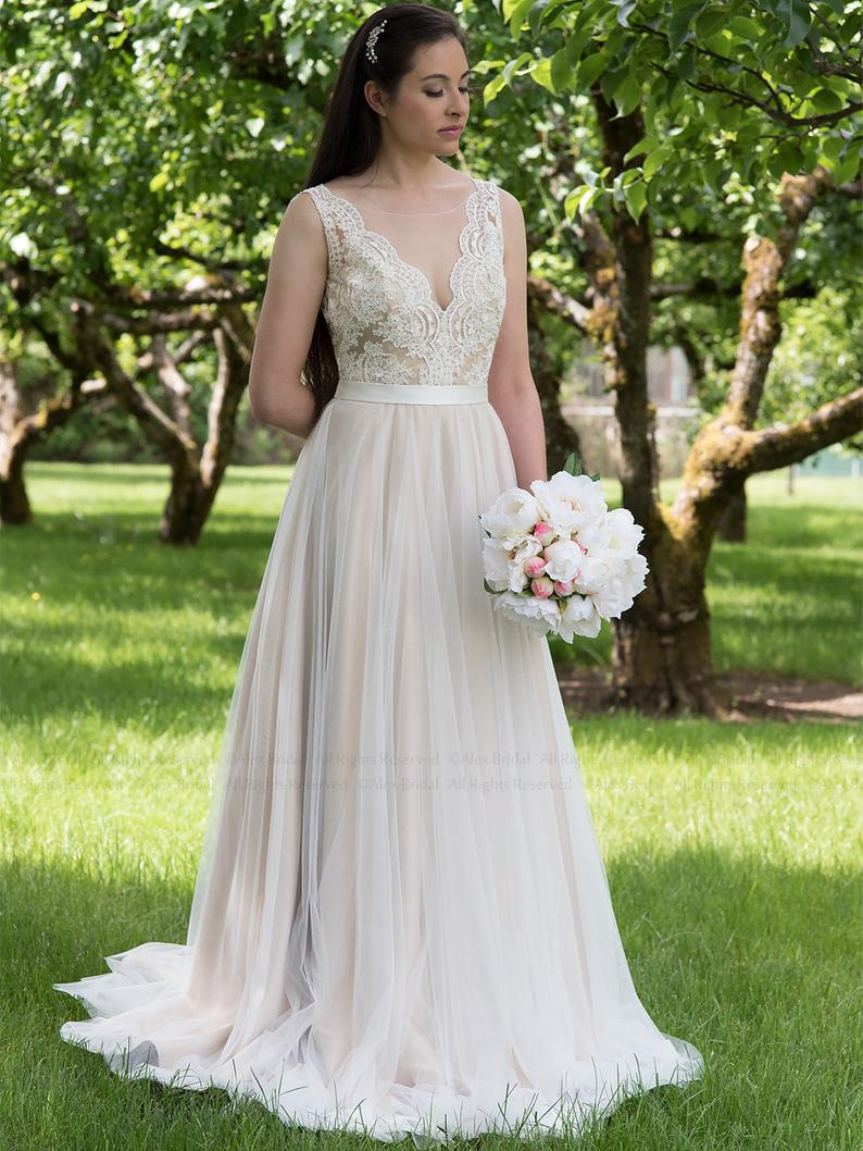2019 Exquisite nude Lace V Shape Neckline Ivory A line Bridal Gown Backless Chiffon with Chapel Train