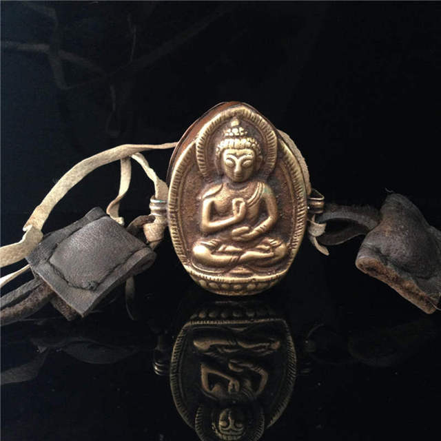 TGB304 Tibetan Antiqued Old Brass Amulet Buddha Prayer box Tibet Buddha-FO GHAU box Tibet collectibles