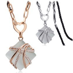 Fashion accessories quality hot-selling square acrylic long necklace