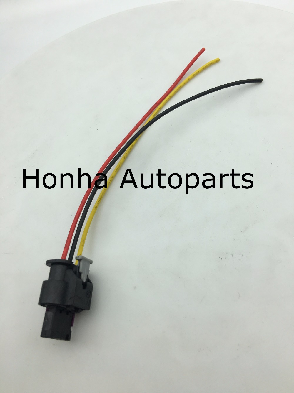 small resolution of flat housing connector plug 3 pin wiring harness for vw jetta touareg 2007 2012 for audi