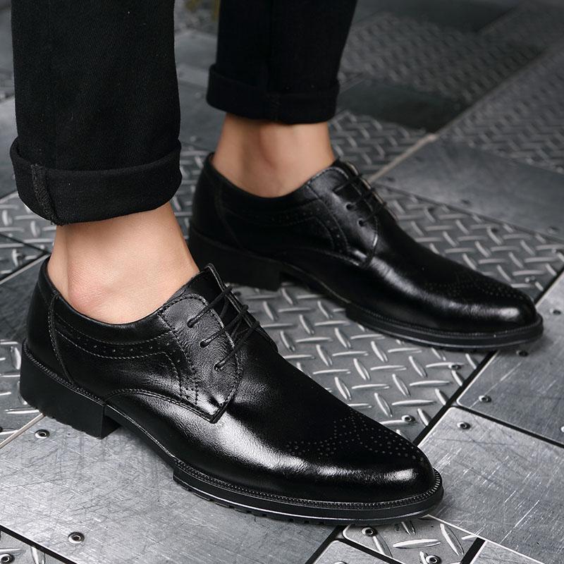 MYCOLEN Fashion Bullock Carve Mens Dress Shoes Men Pointed Toe Lace Up Men's Business Casual Shoes Scarpe Classiche Uomo Punta каталог punta