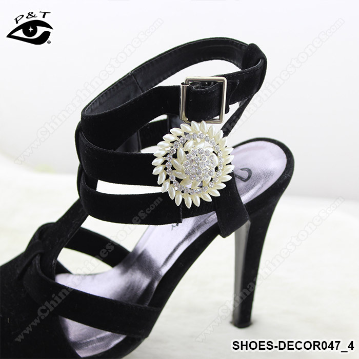 Aliexpress buy free shipping 1 pairlot pearl rhinestones aliexpress buy free shipping 1 pairlot pearl rhinestones wedding shoe clip for shoe decoration from reliable shoe clips suppliers on shelly junglespirit Choice Image