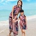 De la Playa de Bohemia Vestidos de Madre E Hija Familia Juego Trajes Muchacha de la Impresión de La Vendimia Vestidos de Playa de la Familia Look Gasa Madre Vestido Del Cabrito
