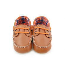 DeleBao Spring/ Autumn Cosido A Mano PU Leather Soft Sole Infant Toddle Baby Shoes Wholesale