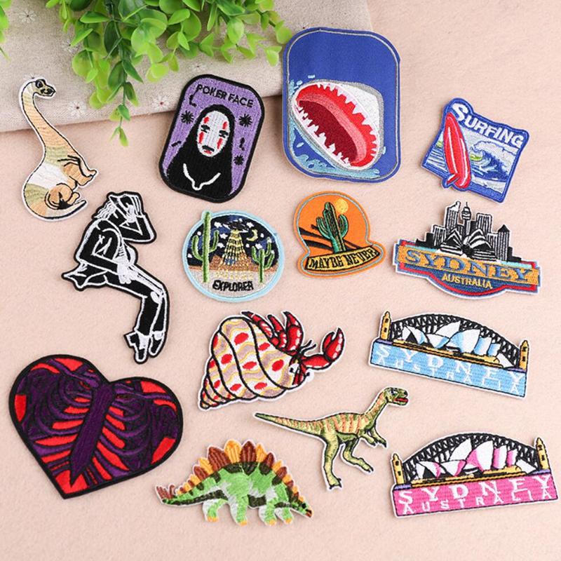 1 PC Fashion Embroidered Dinosaur Punk Series Dinosaur 2018 Cartoon Iron On Football Patches for Clothes DIY Appliques Cheap