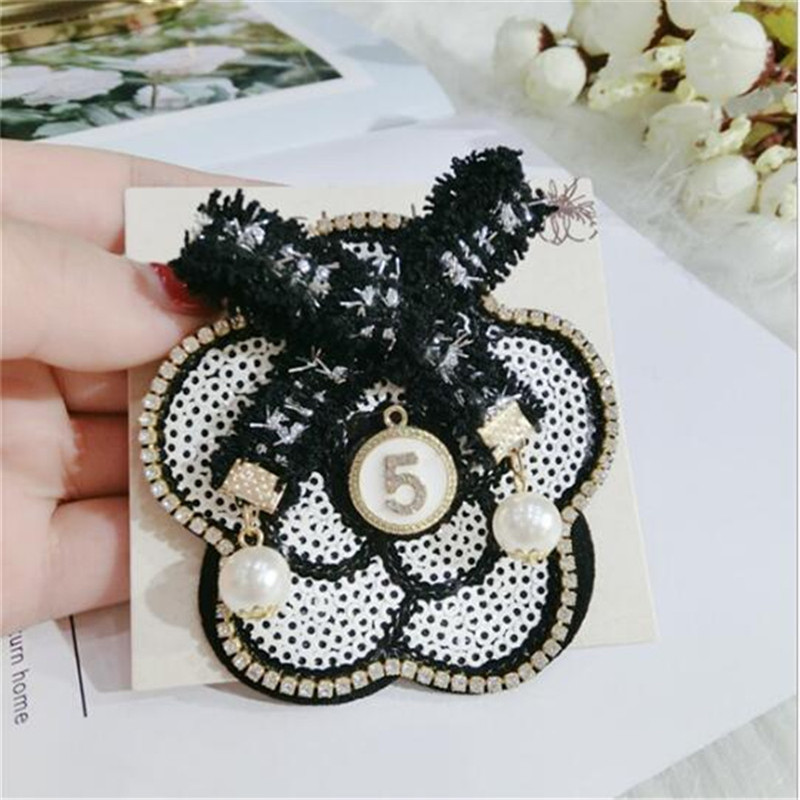 CX-Shirling Women Camellia Brooch Pins Broach Big Size Dress Vintage Luxury Brand Pearl Letter 5 big Black Flower Brooch Pin