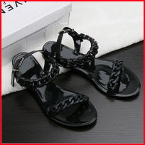2016-Summer-flip-flops-new-plastic-chain-beach-shoes-candy-color-jelly-sandals-chain-flat-bottomed