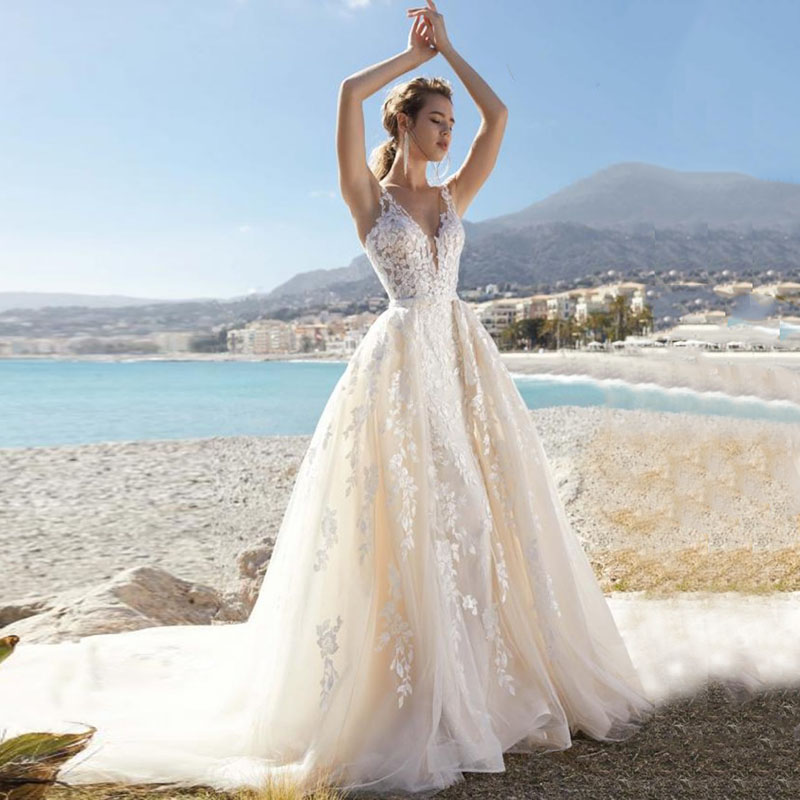 Eightale Beach Wedding Dresses Boho V-Neck Lace Bridal Dress Vintage Backless Long Train Wedding Gowns 2019 Vestidos De Noiva