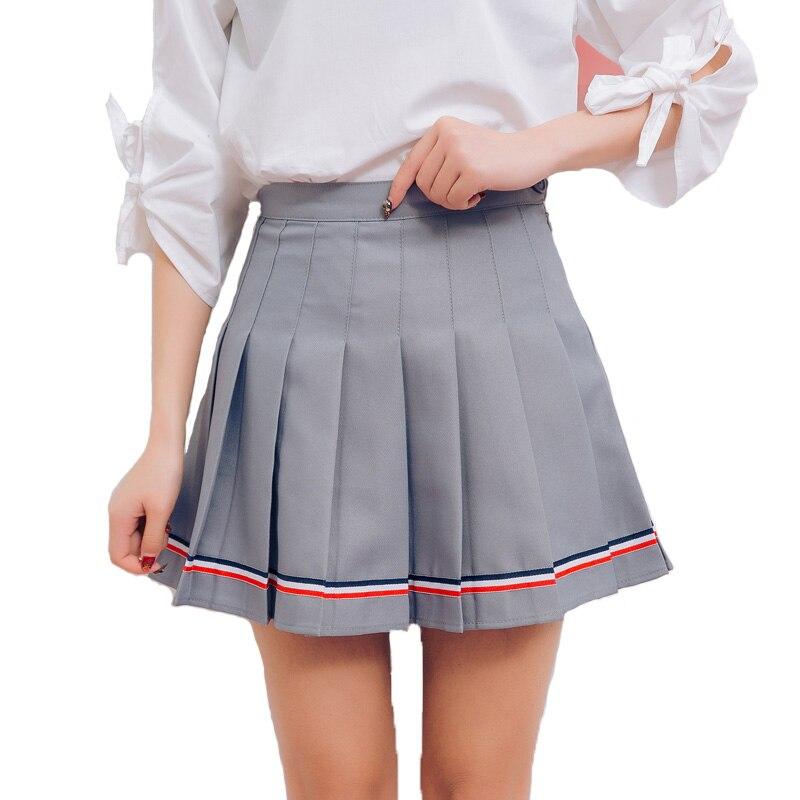 Смотреть у японских девочек под юбкой фото 792-335