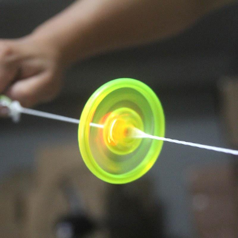 Hand Pull Luminous Flashing Rope Flywheel Toy Novelty Flash Gyro For Children's Birthday Funny Gift