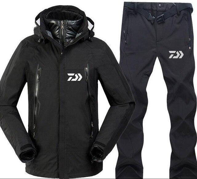 d7af7e43b6 2018 Daiwa ropa de pesca Otoño Invierno hombres deporte conjuntos  senderismo pesca chaquetas y pantalones de