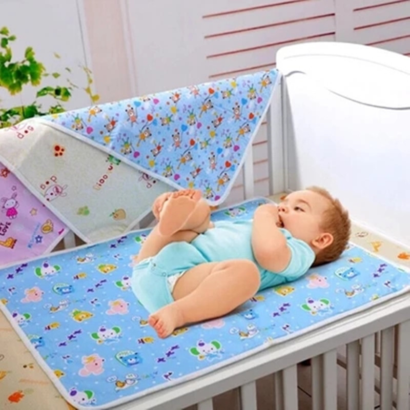 Baby Separates The Urine Mattress 100 Cotton Soft Breathable And Waterproof Printed Pattern Random Delivery