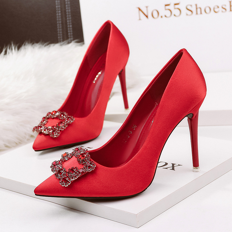 Detail Feedback Questions about New high heels pumps women luxury design  crystal pointed toe bridal red wedding shoes fashion sexy stiletto ladies  party ... 59a4a56de10a
