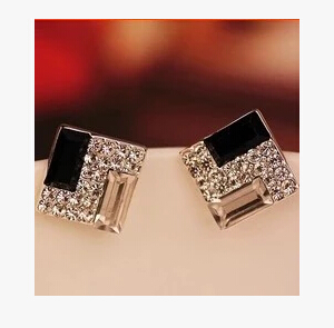 ea310  Korean jewelry OL exquisite temperament black and white crystal alloy Square earrings female charm jewelry