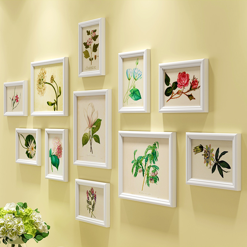 Blooming Flower Pattern Photo Frames Wall For Lovely Home
