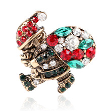 CINDY XIANG Shiny Crystal Santa Claus With Present Brooches For Women And Man Colorful Rhinestone Pins Coat Accessories Jewelry