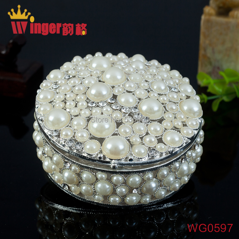 Quality Round Silver Jewelry Trinket Box Display Retro Hollow Pearl