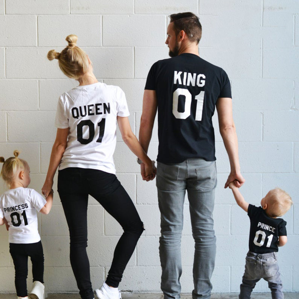 1pcs Family Team T-shirts King Queen Prince Princess 01 Father Mother Daughter Son Matching Shirts King and Queen Shirts Outfits