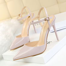 High-heeled shoes 2019 new style simple fine with shallow mouth pointed patent leather sexy nightclub was thin women sandals free shipping stylish and elegant high heeled shoes of fine silk surface shallow mouth pointed diamond pearl word strap sandals