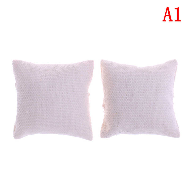 2 pçs/lote 1/12 Almofadas Travesseiro Para Sofá Sofá Cama Casa De Bonecas Móveis Em Miniatura Brinquedos Sem a Cadeira Do Sofá Mais Recente