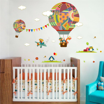 colorful Hot Air Balloon Animal Nursery Room wall sticker Bear Giraffe children 's room cartoon classroom Wall Decals Poster