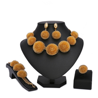 2017 New Fashion Dubai Jewelry Set Gold Color Romantic Nigerian Wedding African Beads Costume Jewelry For