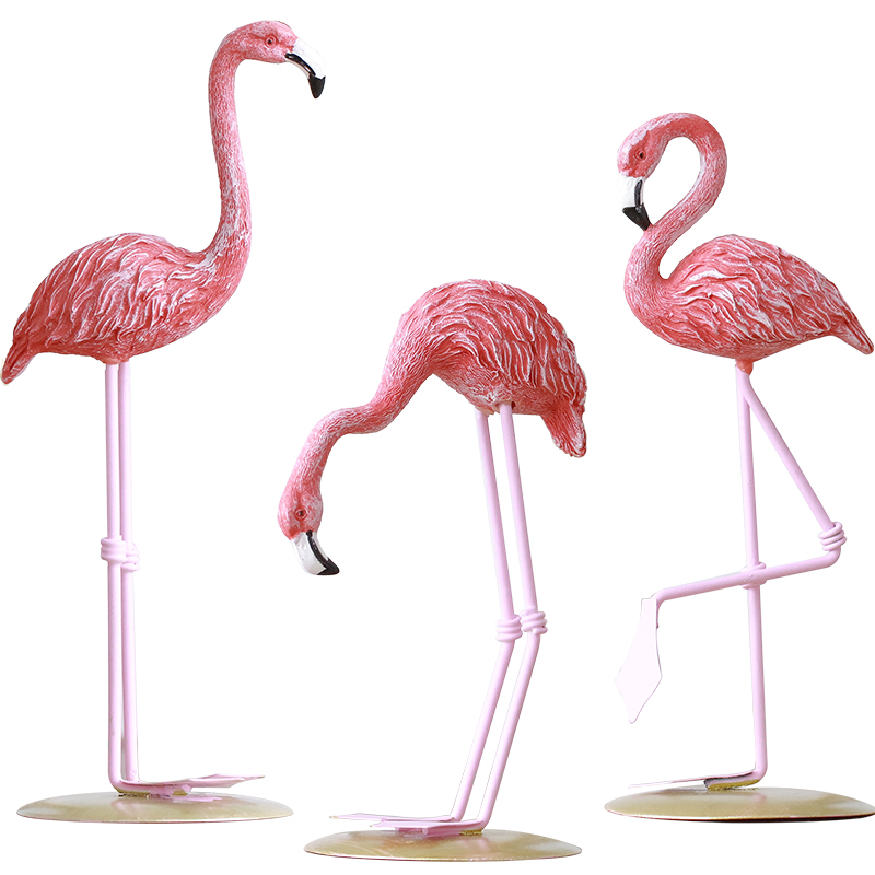 Polyresin Pink Flamingos Backyard Garden Artwork Ornaments Retro Miniatures Ornamental Collectible figurines Present Residence Decor