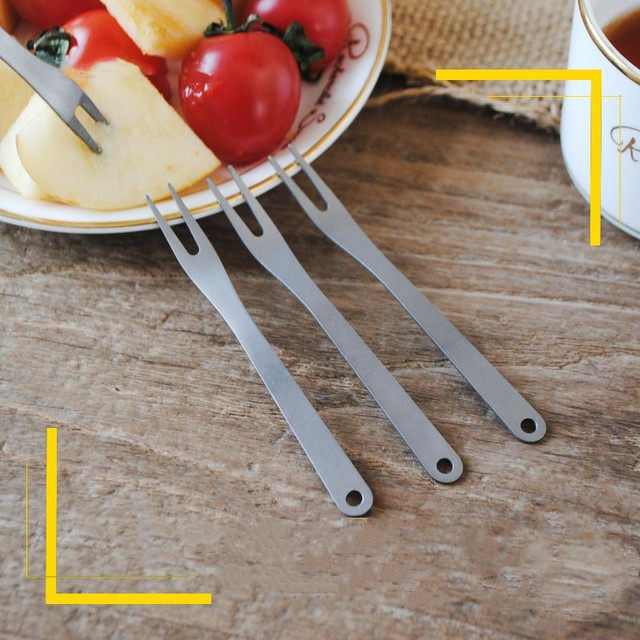 2pcs/set outdoors titanium Fruit Fork Set Eco Friendly Kitchen titanium fruit stick Dessert Forks tableware Cooking Tools