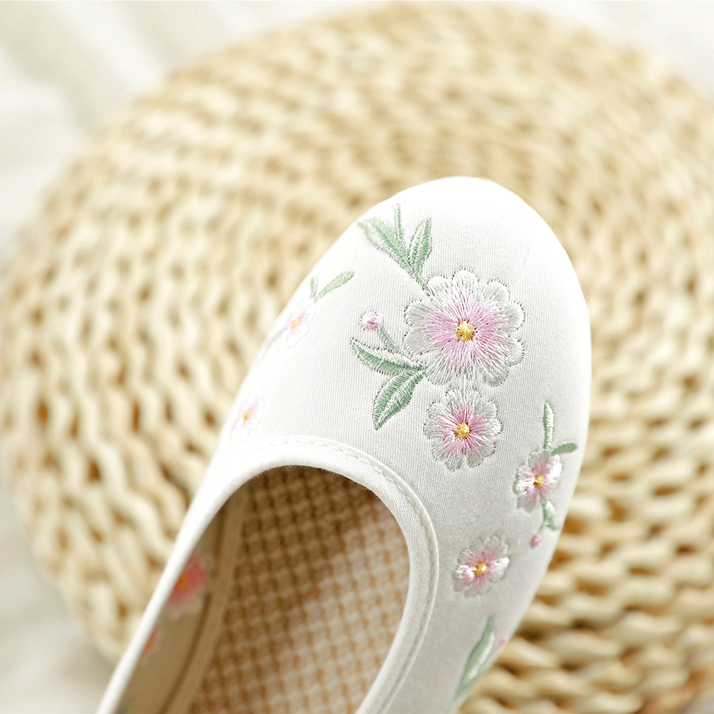 Chinese Style Platform Hanfu Shoes Embroidered Floral Elegant Flats Ankle Strap Comfortable Insole Graceful Handmade Wei Yang in Women 39 s Flats from Shoes