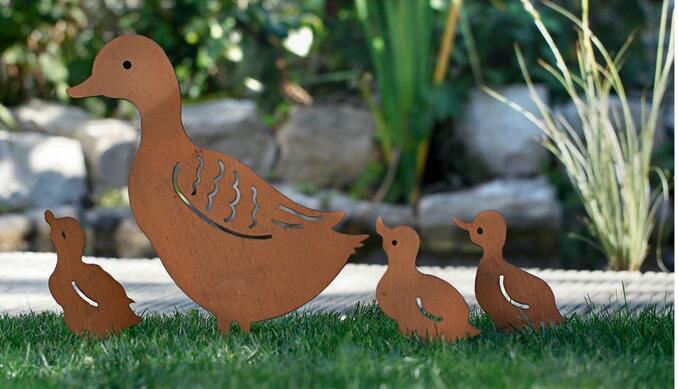 4pcs lot European style Iron retro garden plugs rusty retro ducks a family of four flowers