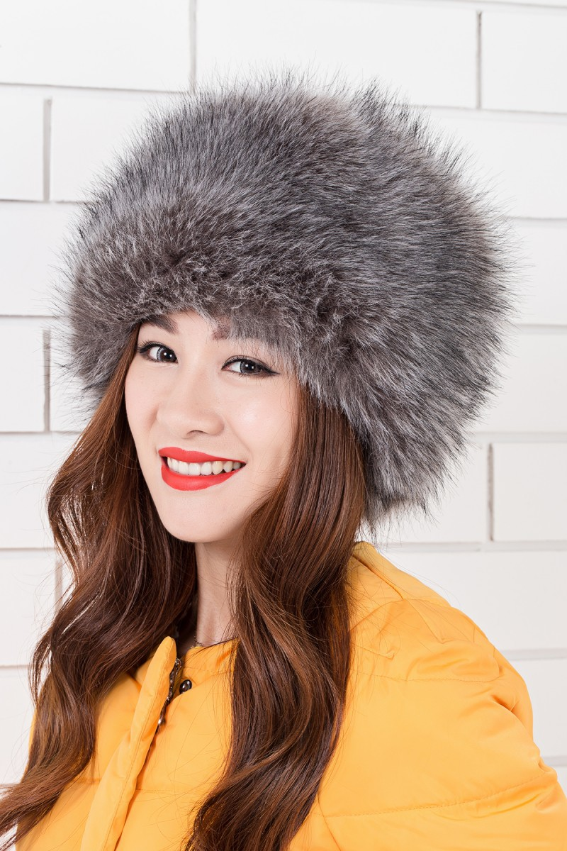 New winter hats for girls russian hat Women s fur to keep warm fur hat Warm  cap with ear flaps fur hat Great circle cap -in Bomber Hats from Apparel ... dbb589c0f09