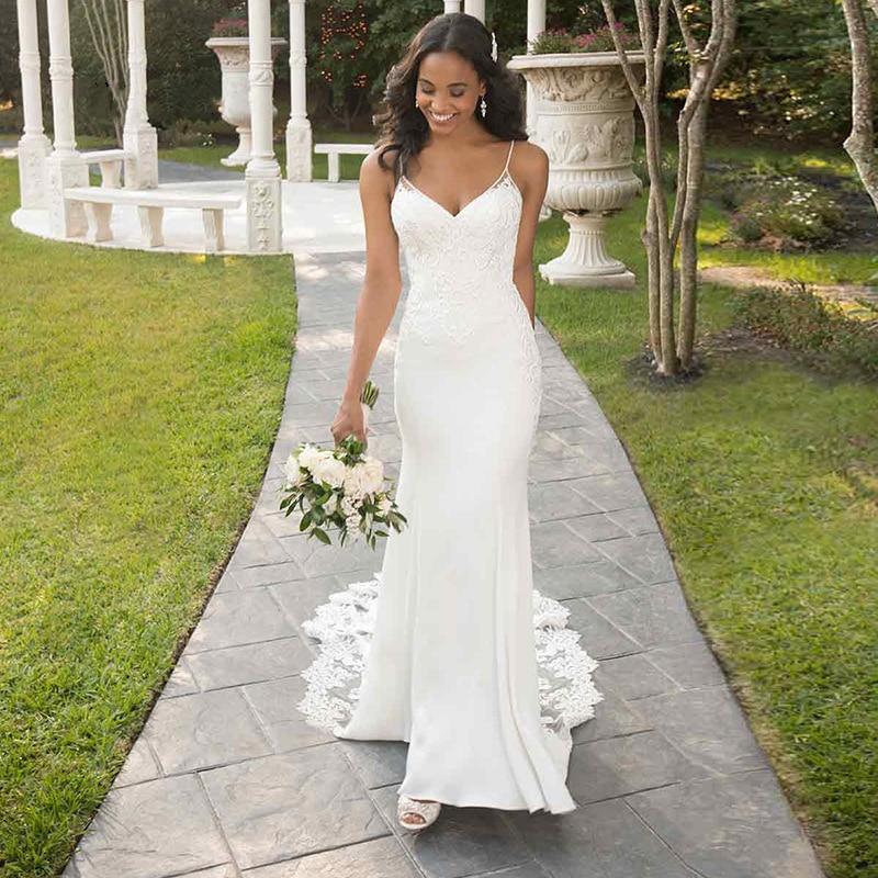 2019 Mermaid Wedding Dresses Spaghetti Straps Backless Lace Beach V Neck Wedding Dress Crepe Long Shaped Train