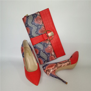 Image 2 - מותג אביב קיץ נשים גבוהה עקבים נעלי הבוהן מחודדת אדום תפרים 10CM משאבות אופנה סקסית נעלי התאמה מצמד תיק a93 9