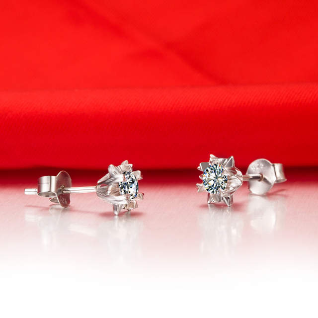 Online Shop 18K Jewelry Earrings Snowflake Design 0.5CT Piece SONA Diamond  Earring Stud for Women Engagement Gift Female Accessory  650029fedb96