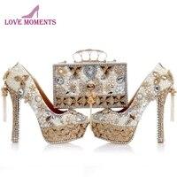 Новые Дизайн жемчужно белые свадебные туфли с подходящая Сумочка Великолепный ручной Высокие каблуки Для женщин со стразами свадебная обу