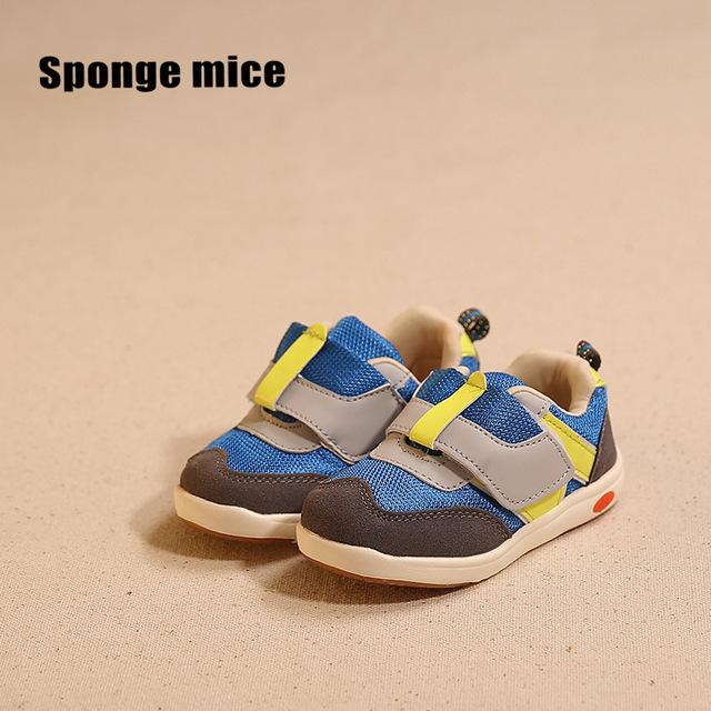 2016 Nueva Moda Clásico Transpirable Zapatos de Los Niños Zapatos Niños Niñas Zapatillas de Deporte de Los Zapatos de Bebé Calientes Zapatos de Los Niños Tamaño 21-26