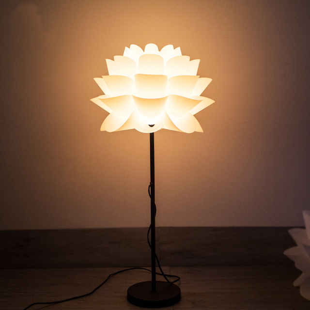 Creative Personality Of Chinese Lotus Flower Floor Lamps Standing
