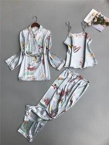 Image 5 - ชุดนอนสตรีชุด 3 ชิ้นแฟชั่นสปาเก็ตตี้สายคล้องซาตินชุดนอนหญิงพิมพ์ดอกไม้แขนยาว Pajama เสื้อผ้า Pijama