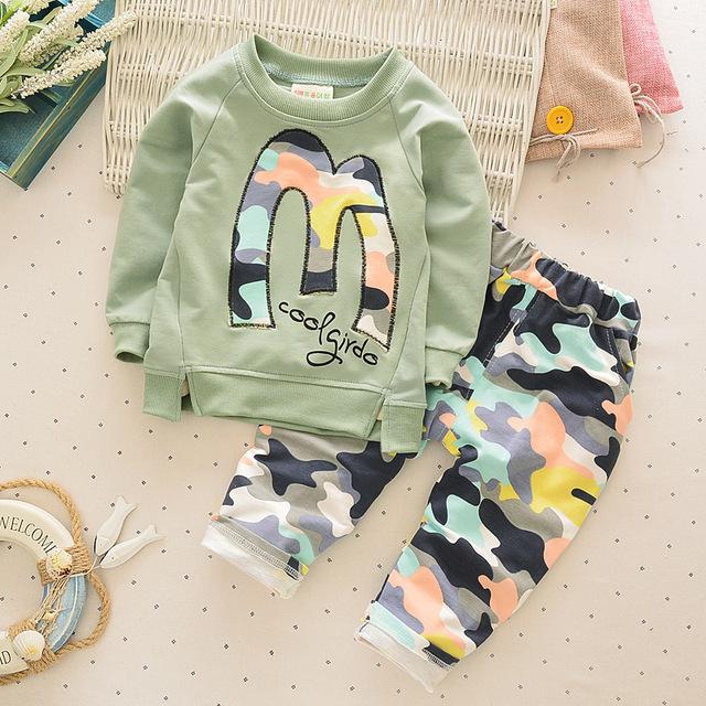De alta calidad! otoño de algodón de manga larga de camuflaje deportes ropa de bebé 2-6 años niños colthing set 2 unids niños niñas colthes