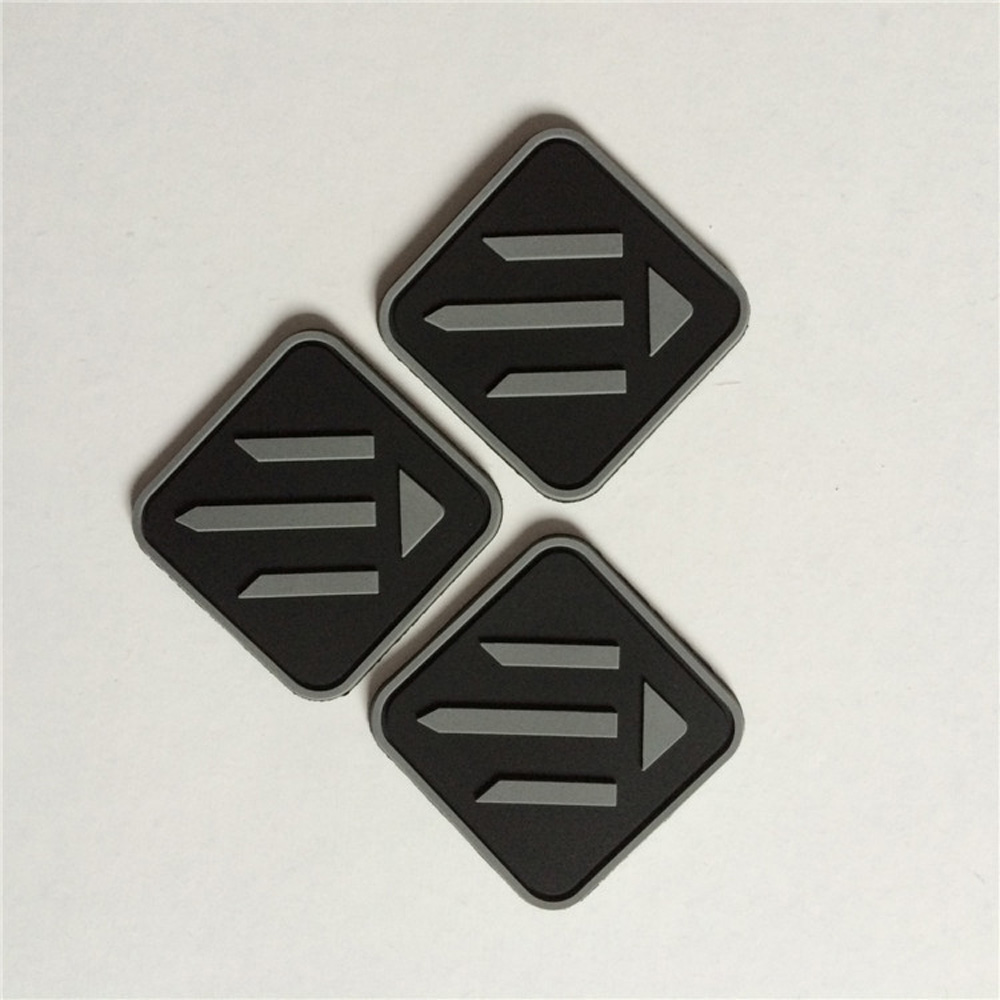 1000pcs pack Customized PVC 3D badges plastic labels patches with brand name and logo for
