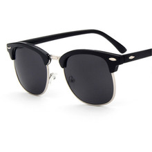 ZXRCYYL 2018 Fashion New Sunglasses Men/Women Retro Rivet Hi